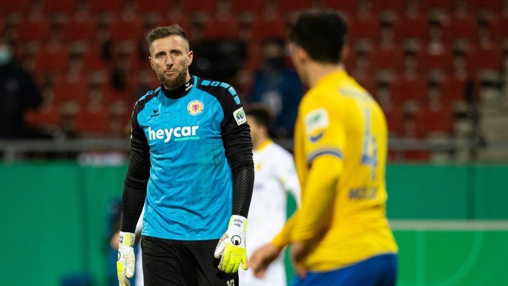 Braunschweig holt Punkt gegen Paderborn - Bildquelle: FIROFIROSIDMax Ellerbrakefiro Sportphoto