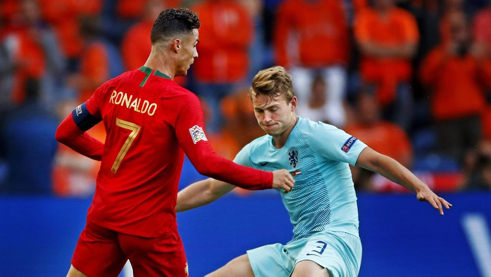 Matthijs de Ligt (re.) spielt bei Juve gemeinsam mit Ronaldo - Bildquelle: imago sportfotodienst
