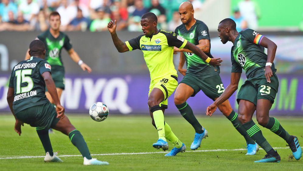 Paderborn holt einen verdienten Punkt beim VfL Wolfsburg - Bildquelle: getty