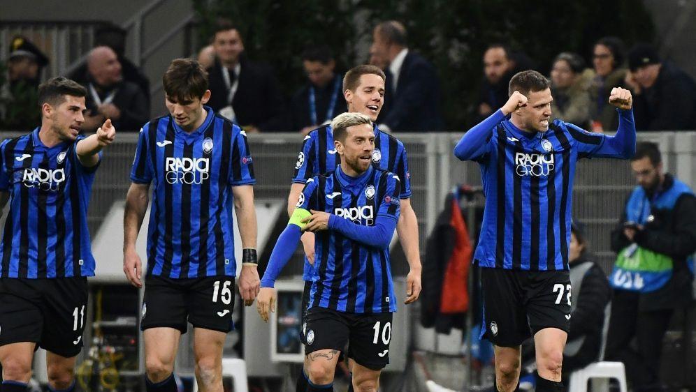 Ilicic (r.) erzielt vier Treffer gegen Valencia - Bildquelle: AFPSIDVincenzo PINTO