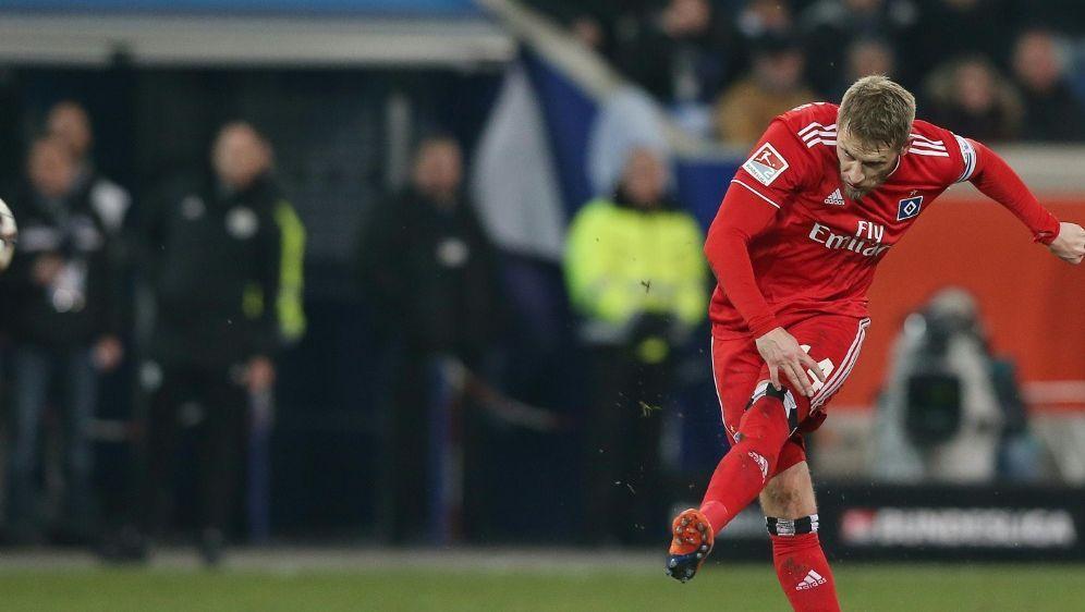 Aaron Hunt bleibt Kapitän des Hamburger SV - Bildquelle: FIROFIROSID