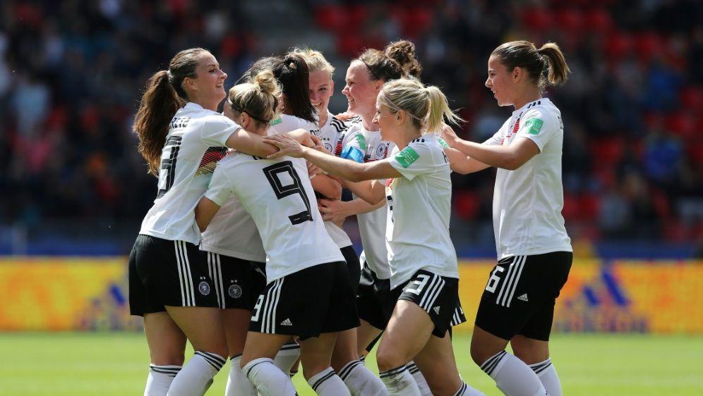 Die DFB-Frauen spielen am Dienstag in der Ukraine - Bildquelle: FIROFIROSID