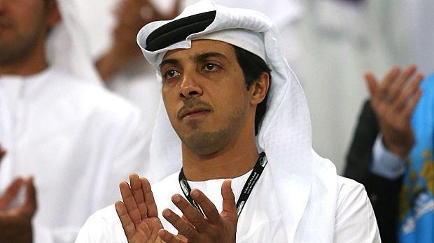 Platz 1: Mansour bin Zayed Al Nahyan (Manchester City) - 28 Milliarden Euro - Bildquelle: 2014 Getty Images