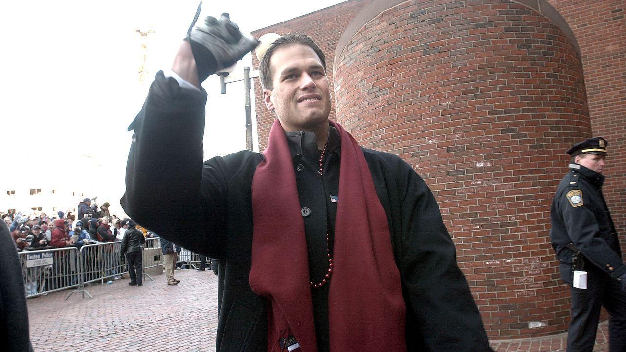 Tom Brady gewinnt seinen ersten Super Bowl (und sieht fresh aus) - Bildquelle: Getty