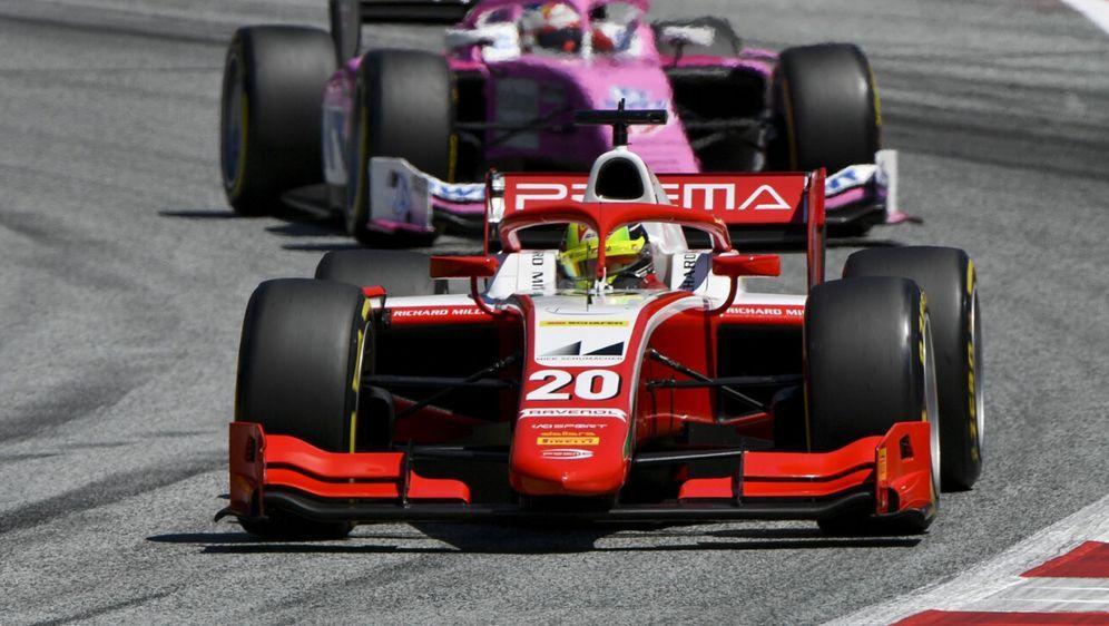 Mick Schumacher gelang im Qualifying der Sprung unter die Top 10. - Bildquelle: Motorsport Images