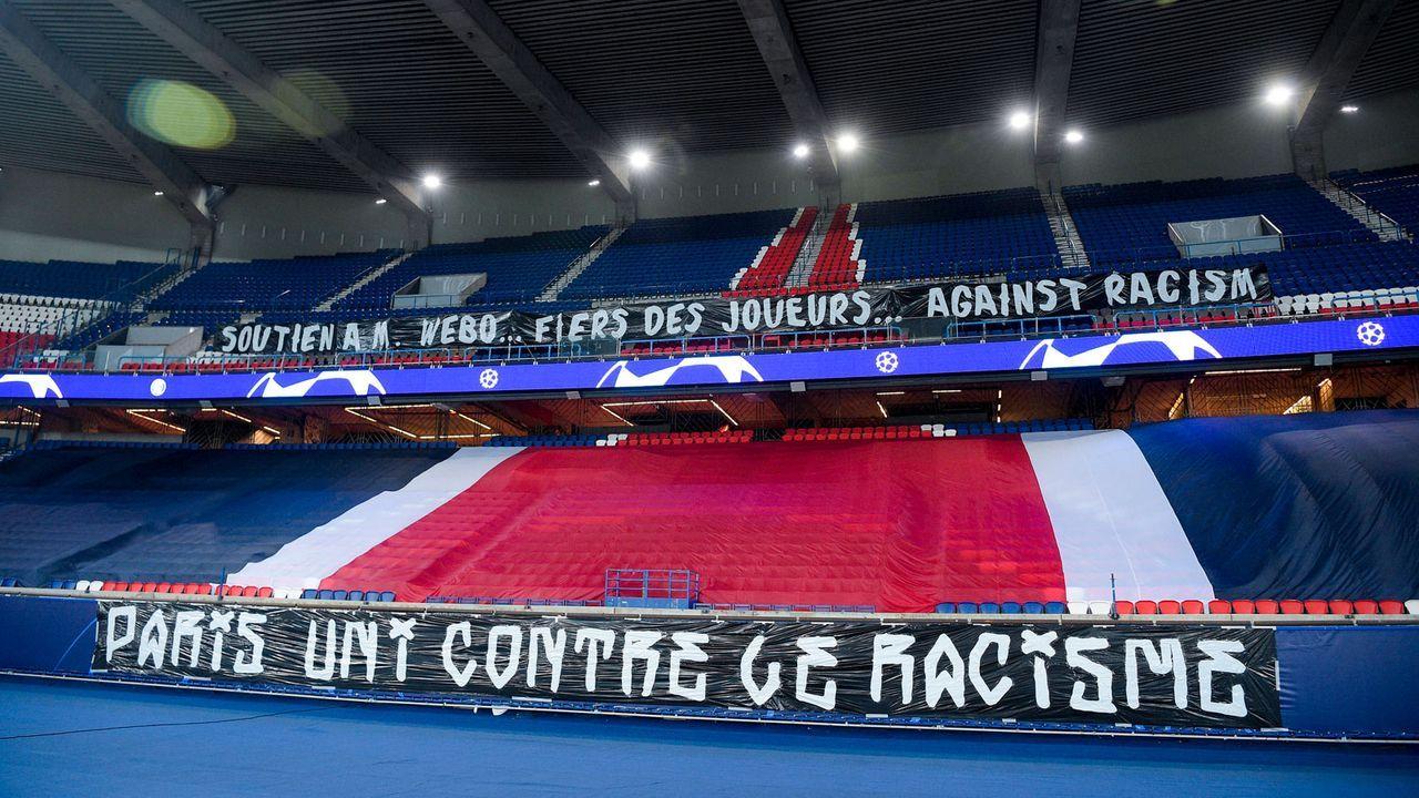 Paris St. Germain und Basaksehir setzen Zeichen gegen Rassismus - Bildquelle: imago images/PanoramiC