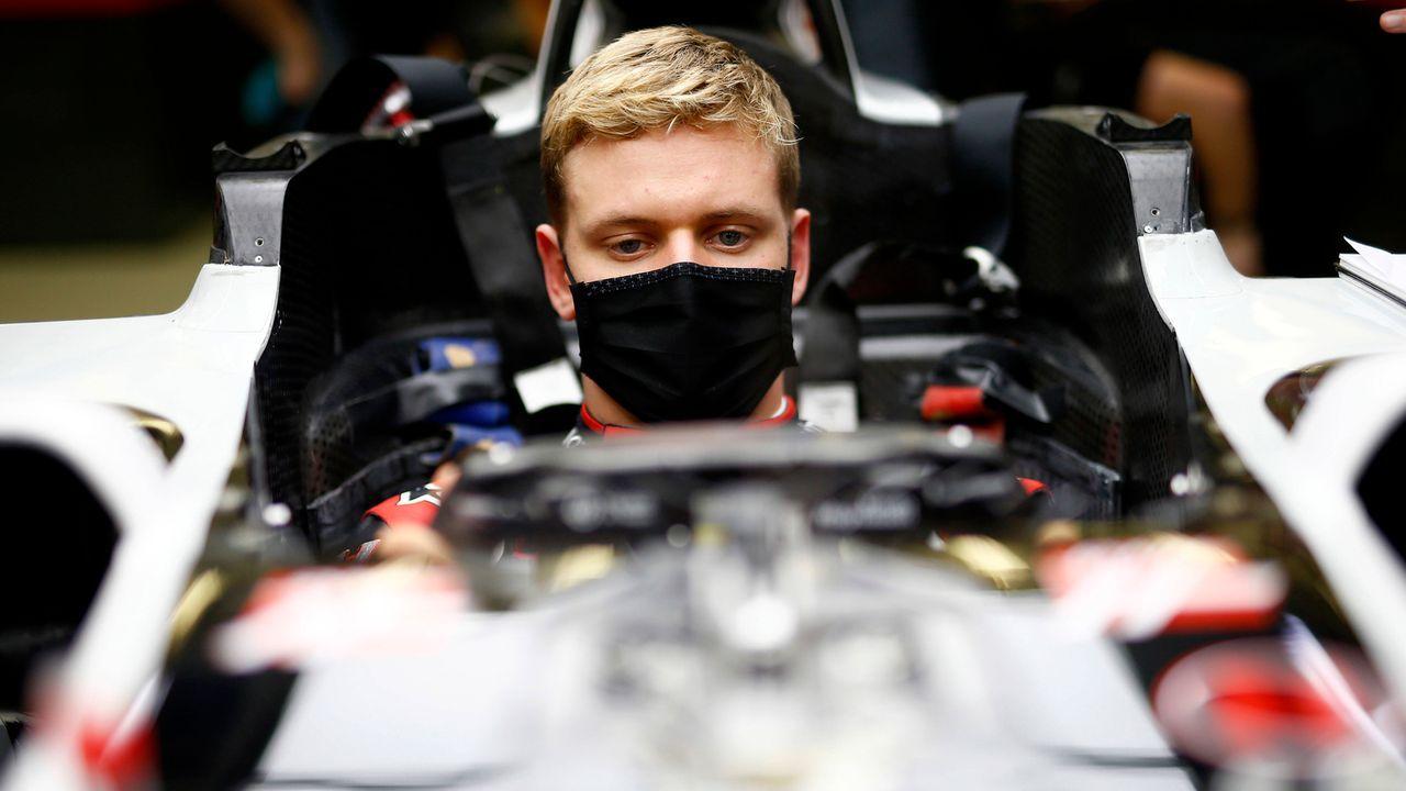 Fährt Schumacher in Abu Dhabi sein erstes Formel-1-Rennen? - Bildquelle: imago images/Motorsport Images
