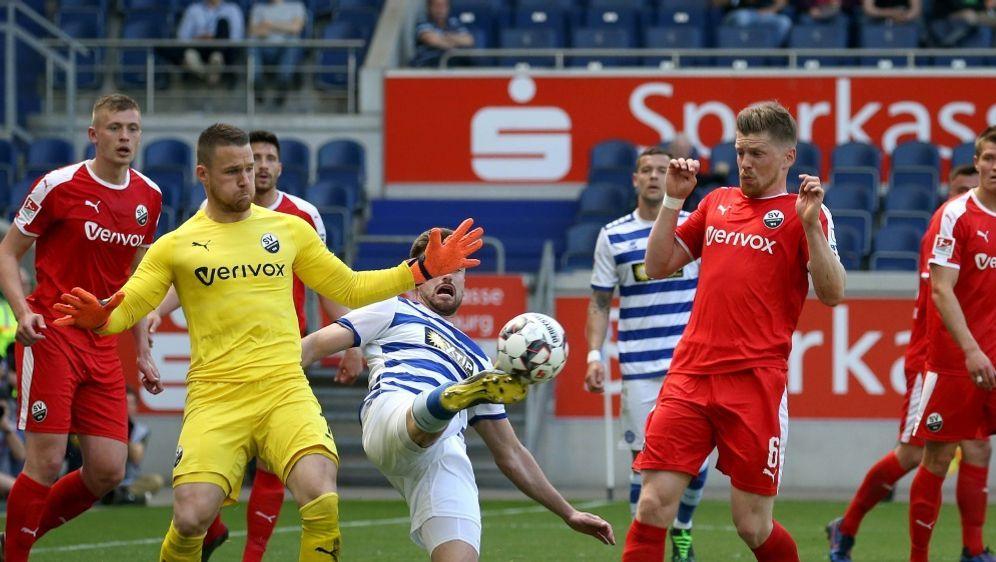Sandhausen und Duisburg trennten sich Unentschieden - Bildquelle: FIROFIROSID