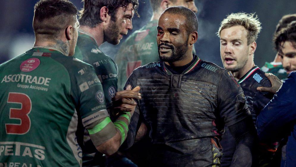 Maxime Mbanda (M.) ist italienischer Rugby-Nationalspieler - Bildquelle: imago images/Inpho Photography