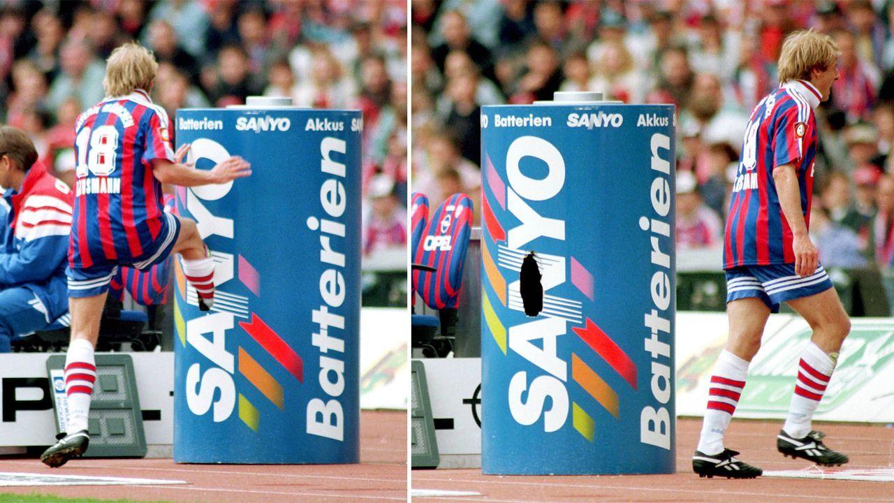 Jürgen Klinsmann vs. Werbetonne - Bildquelle: 1997 imago sportfotodienst