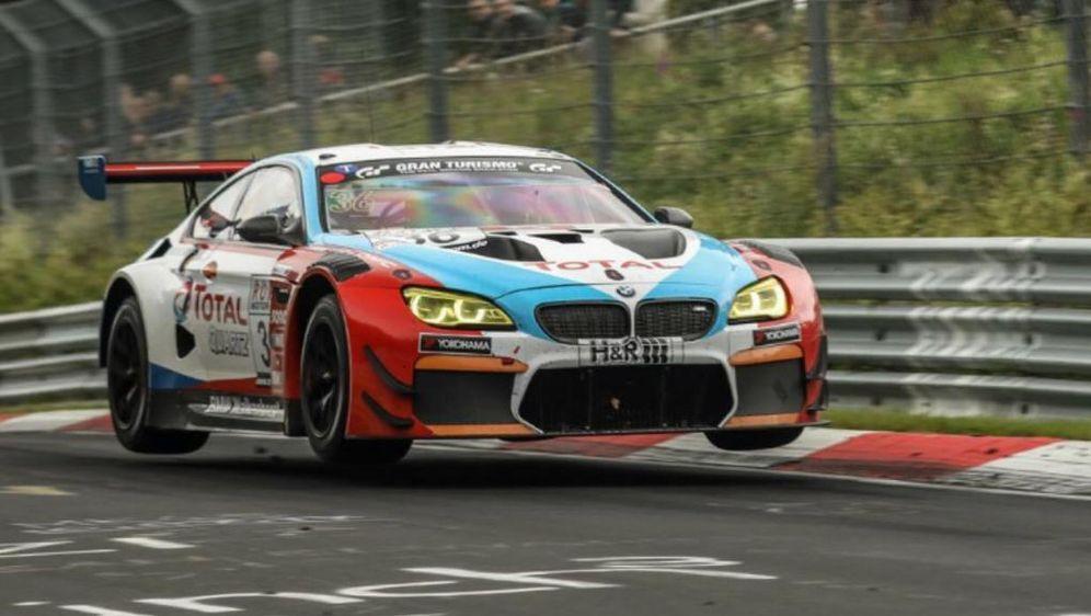 Das BMW Walkenhorst Motorsport Team in Aktion. - Bildquelle: BMW Walkenhorst Motorsport Team