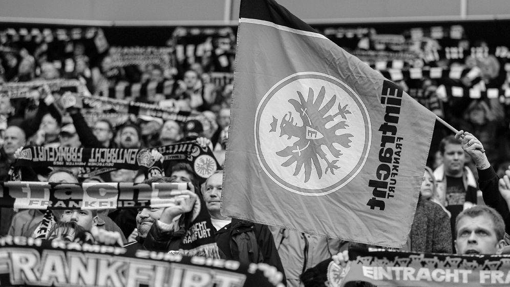 Frankfurt trauert um Ex-Spieler Fahrudin Jusufi - Bildquelle: FIROFIROSID