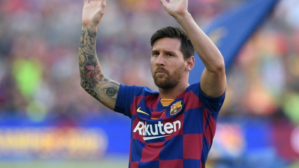 Messi fehlt wegen einer Wadenzerrung beim ersten Spiel - Bildquelle: AFPSIDJOSEP LAGO