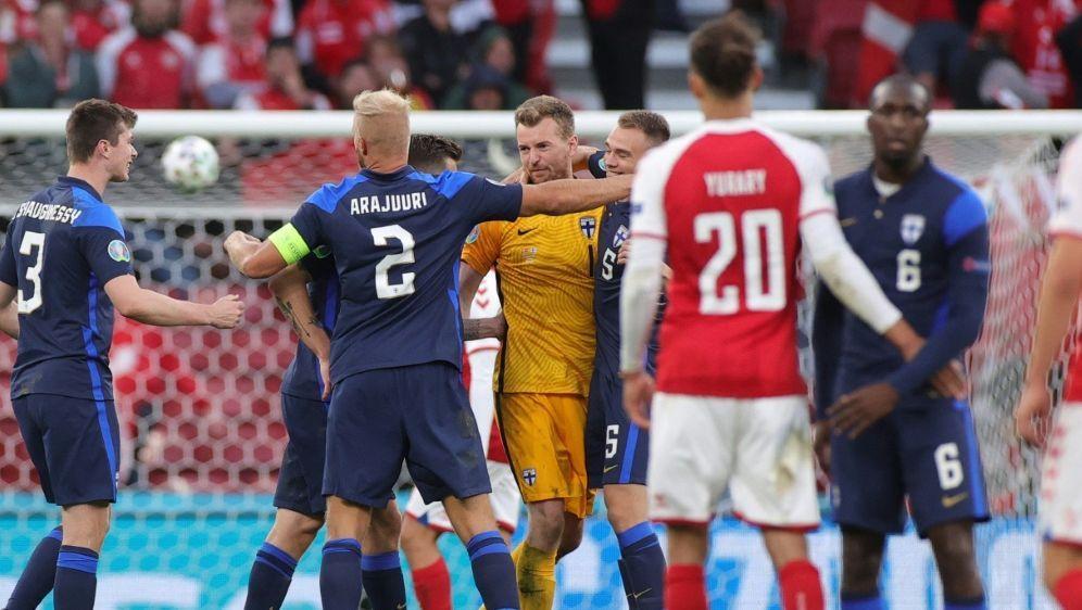 UEFA verweist wegen Spielfortsetzung auf Regelwerk - Bildquelle: AFPPOOLSIDFRIEDEMANN VOGEL