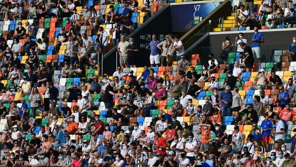 Die Serie A möchte die Stadien wieder voll besetzen - Bildquelle: AFPSIDMIGUEL MEDINA
