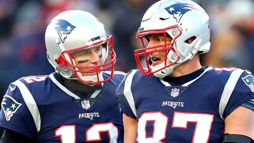 Ex-Teamkollegen, aber immer noch Kumpel: Rob Gronkowski und Tom Brady. - Bildquelle: 2019 Getty Images