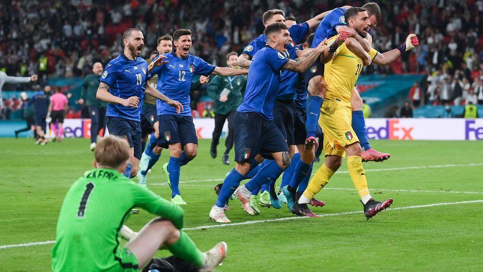Italien ist Europameister - England am Boden - Bildquelle: Getty