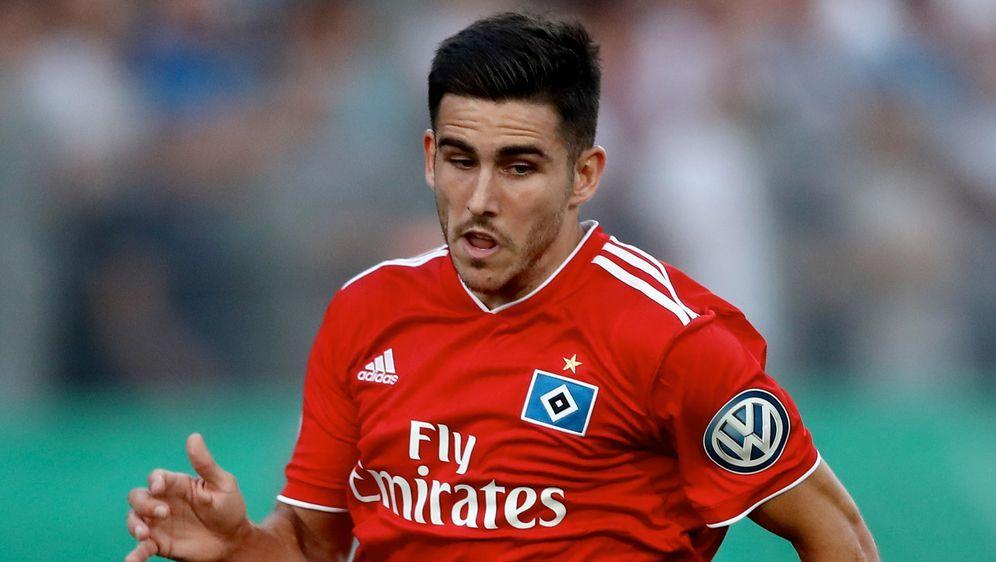 Der verletzte Jairo verlängert seinen Vertrag beim HSV - Bildquelle: Getty