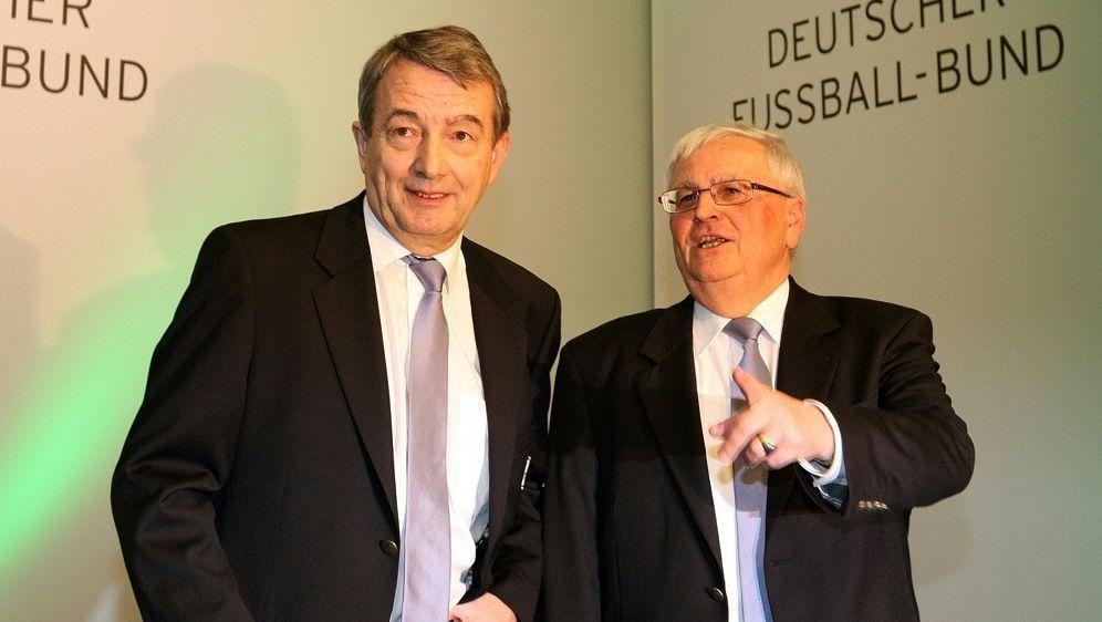 Anklage gegen Wolfgang Niersbach und Theo Zwanziger - Bildquelle: FIROFIROSID