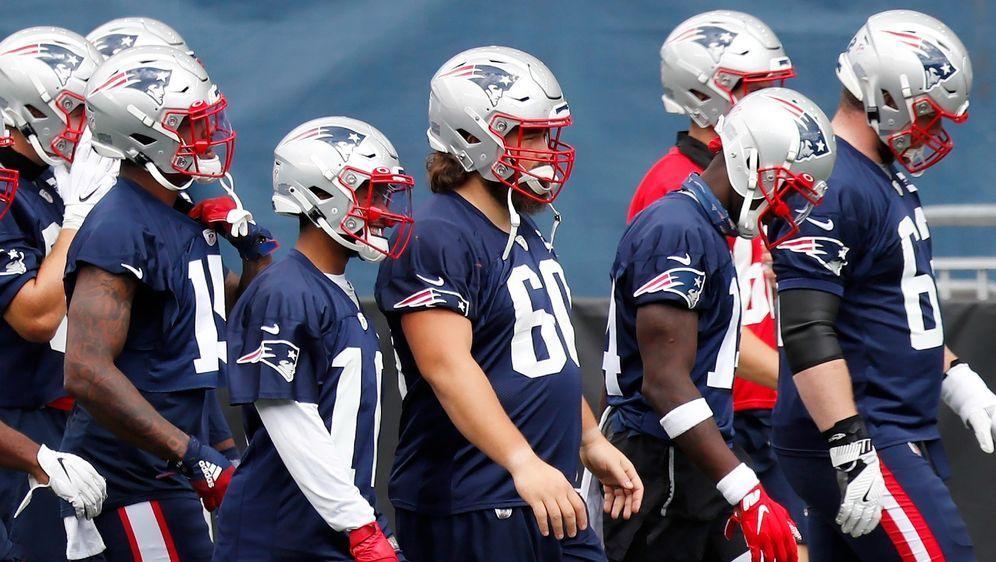 Um in Sachen Roster flexibel zu bleiben, behält die NFL die Regeln aus der V... - Bildquelle: Getty