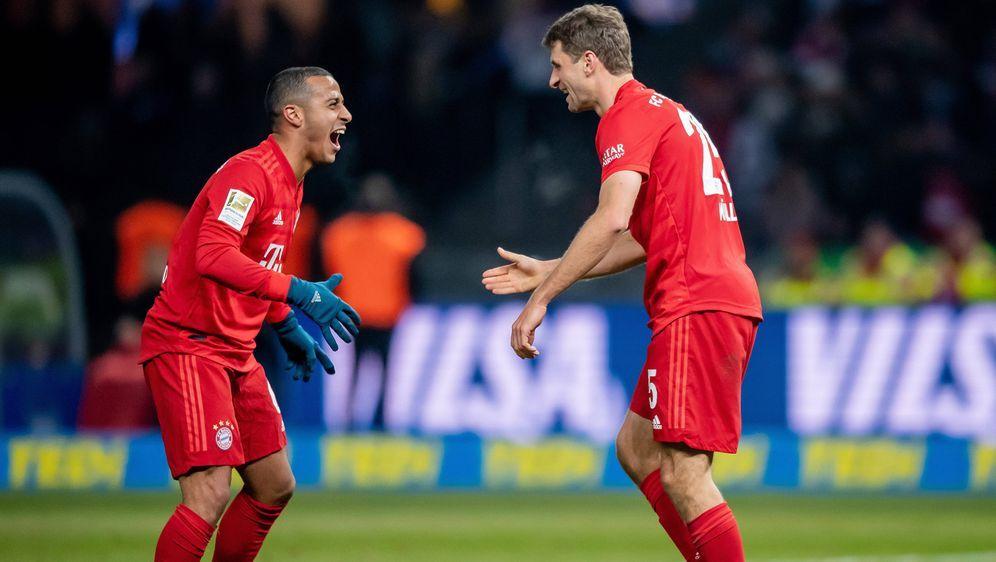 Leistungsträger in München: Thiago (l.) und Thomas Müller - Bildquelle: Imago