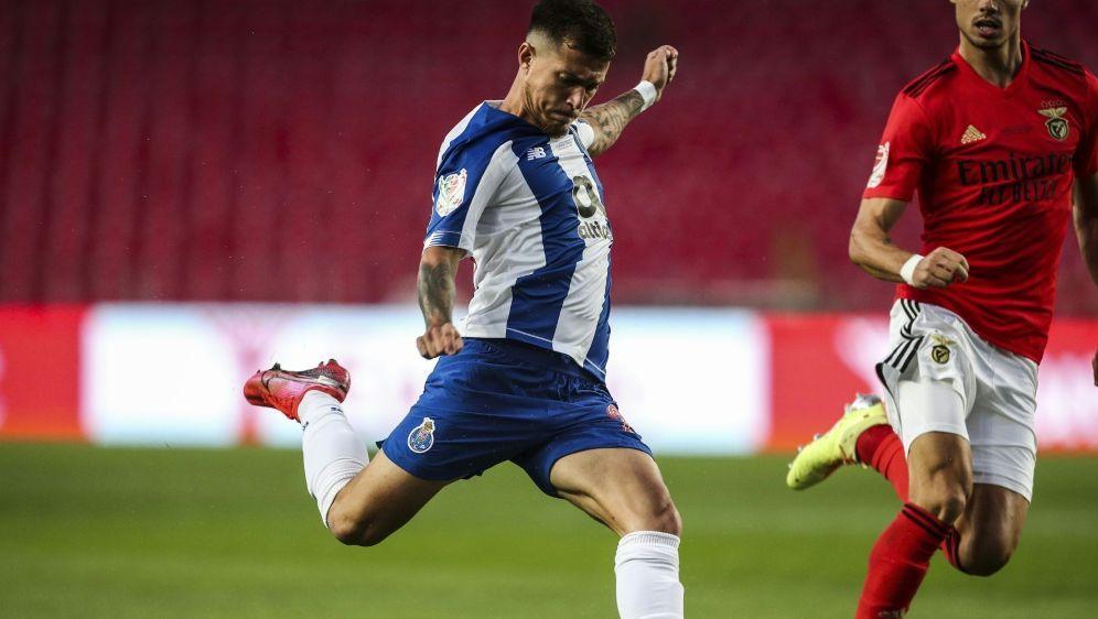 Weigl (r.) verlor das Pokalfinale gegen den FC Porto - Bildquelle: AFPSIDCARLOS COSTA