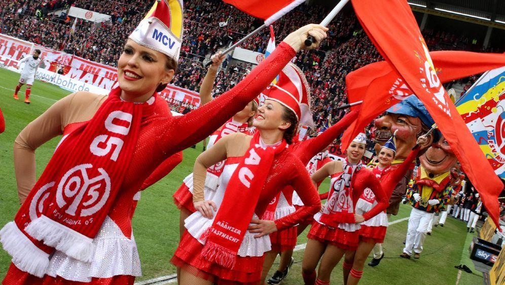 Mainzer Karneval im Stadion - Bildquelle: Imago
