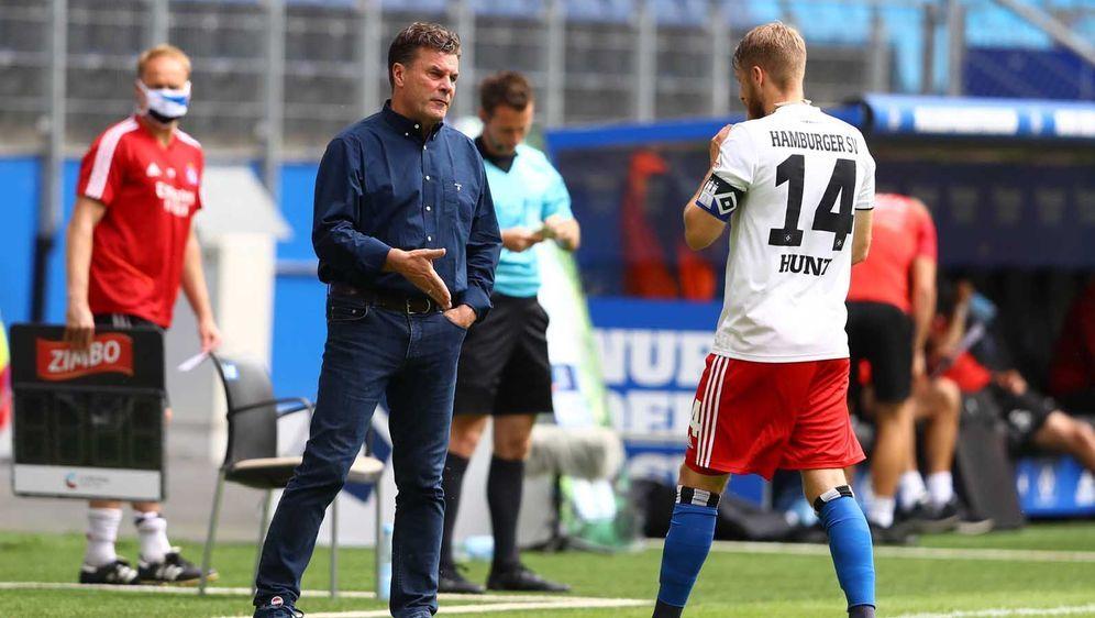 Der HSV geht in seine dritte Zweitliga-Saison nach der verpassten Relegation... - Bildquelle: Ibrahim Ot/action press/Pool via xim.gs