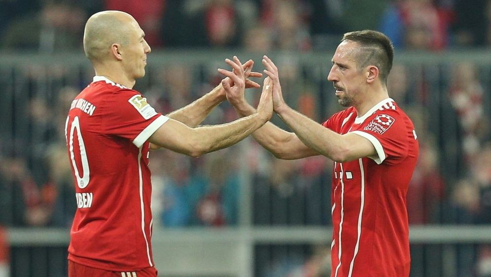 Robben und Ribery sorgen beim FCB weiterhin für Furore - Bildquelle: PIXATHLONPIXATHLONSID