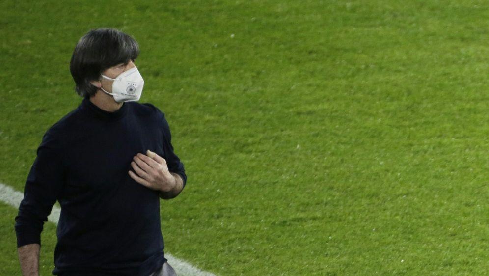 Bundestrainer Löw schloss Rücktritt nach Pleite aus - Bildquelle: AFPSIDTHILO SCHMUELGEN
