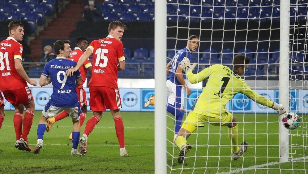 Schalke holte bei Baums Heimdebüt einen Punkt - Bildquelle: FIROFIROSID