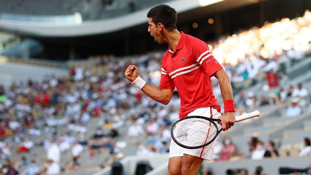 Novak Djokovic greift nach seinem zweiten French-Open-Titel. - Bildquelle: getty