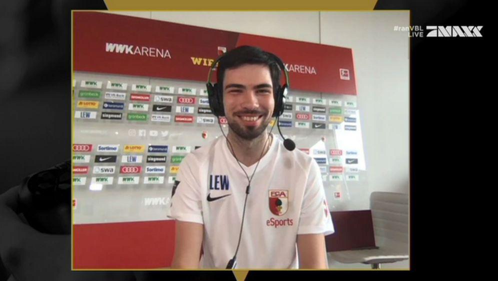 """Deutscher Meister: Yannic """"YANNIC0109"""" Bederke gewann das VBL Grand Final - Bildquelle: Screenshot ran.de"""