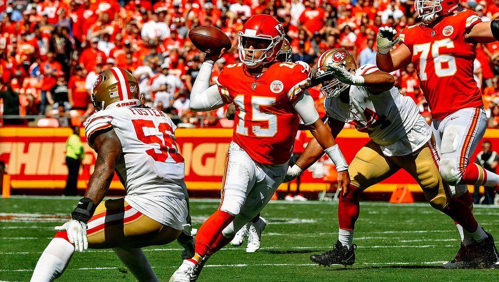 Liefert auch in seinem dritten Saisonspiel ab: Chiefs-Quarterback Patrick Ma... - Bildquelle: Getty Images