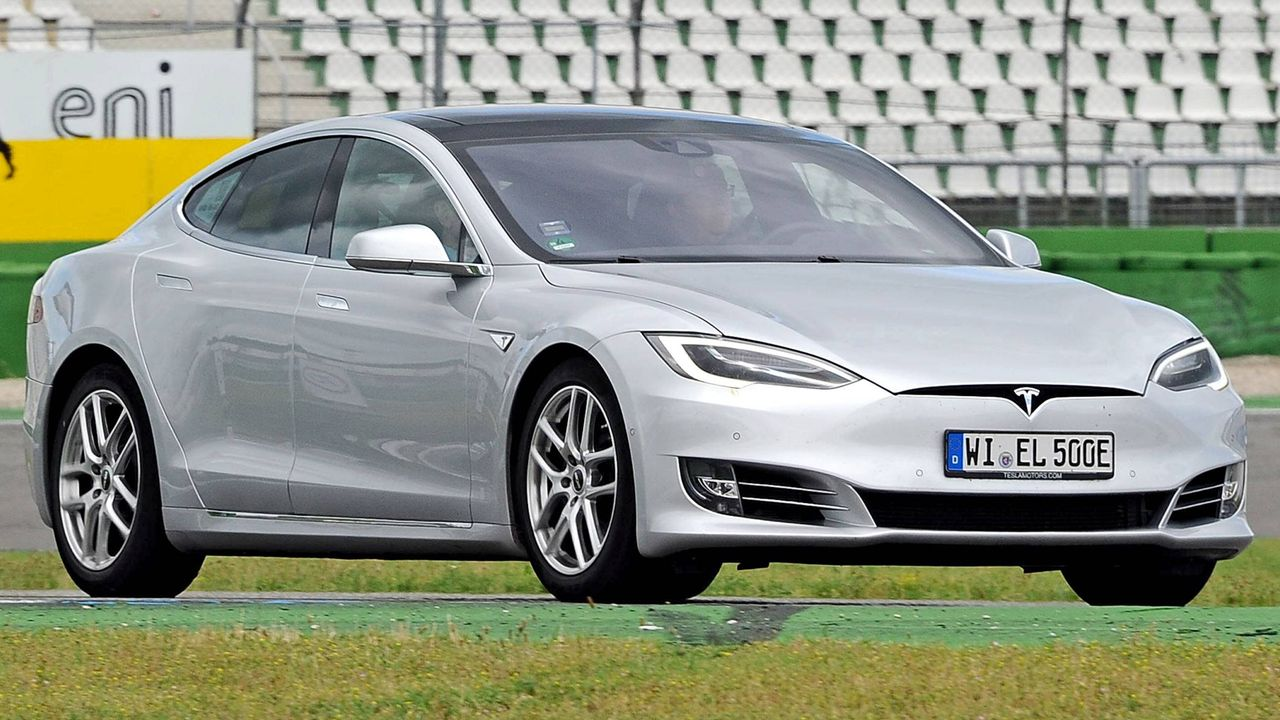 Tesla Model S - Bildquelle: imago images / STAR-MEDIA