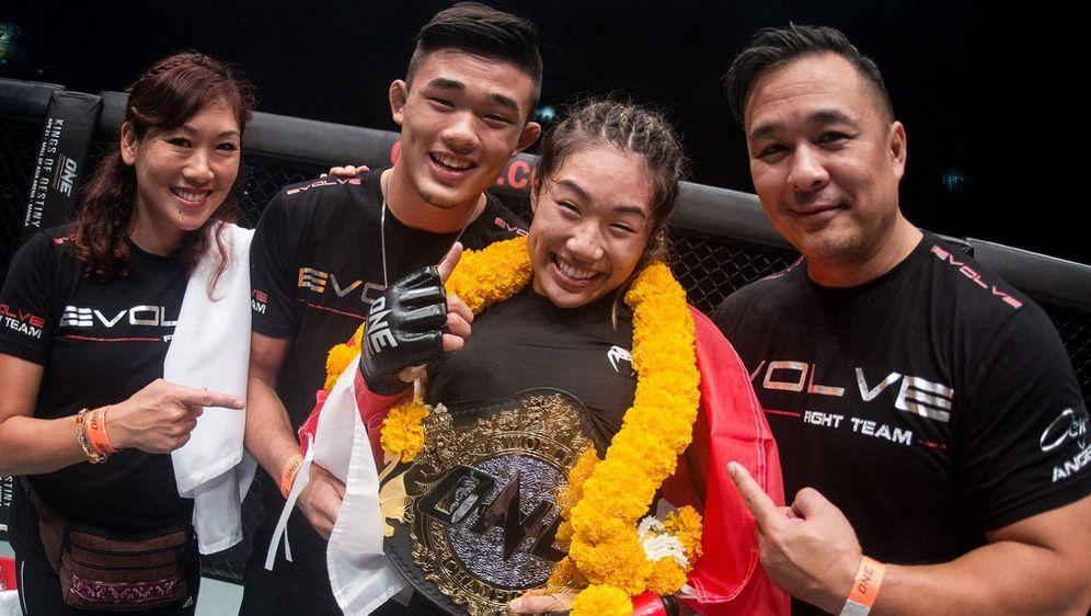 Eine erfolgreiche Familie: Jewelz, Christian, Angela und Ken Lee - Bildquelle: ONE Championship