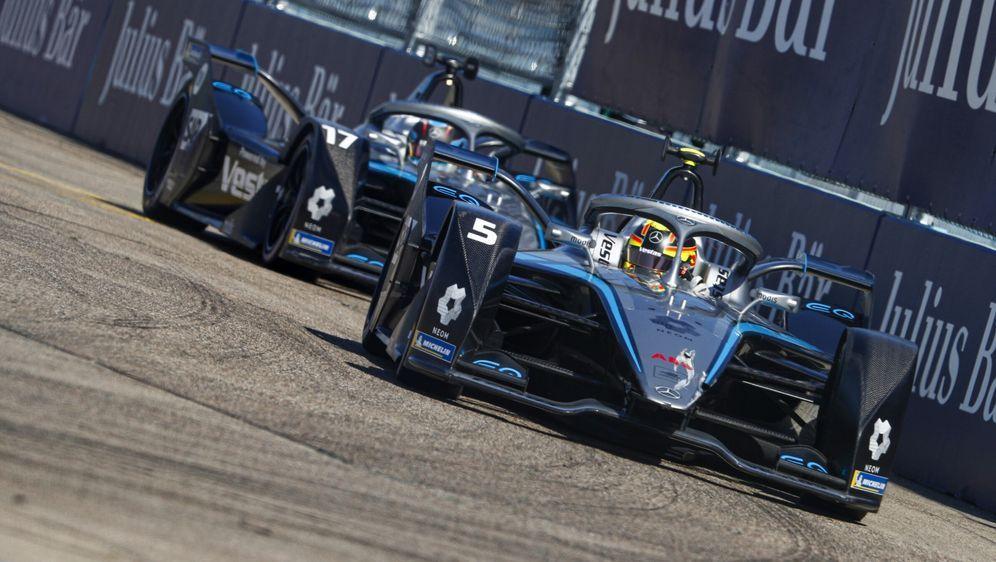 Nach der kommenden Saison beendet Mercedes das Engagement in der Formel-E-We... - Bildquelle: Motorsport Images