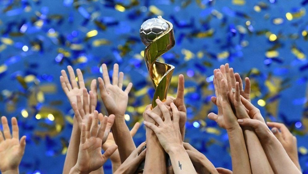 Die FIFA will am 25. Juni über WM-Ausrichter abstimmen - Bildquelle: AFPSIDFRANCK FIFE