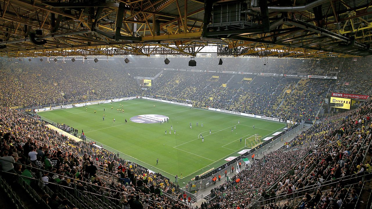 Platz 1: Borussia Dortmund - SIGNAL IDUNA PARK - Bildquelle: Getty