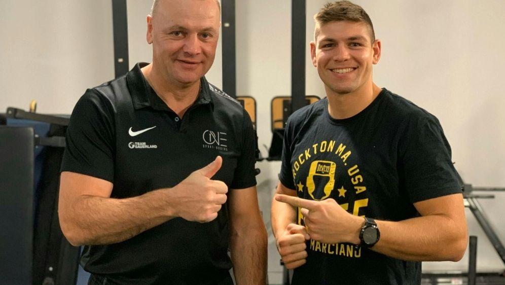 Vincent Feigenbutz (r.) mit Trainer Torsten Schmitz - Bildquelle: Team SauerlandTeam SauerlandTeam Sauerland