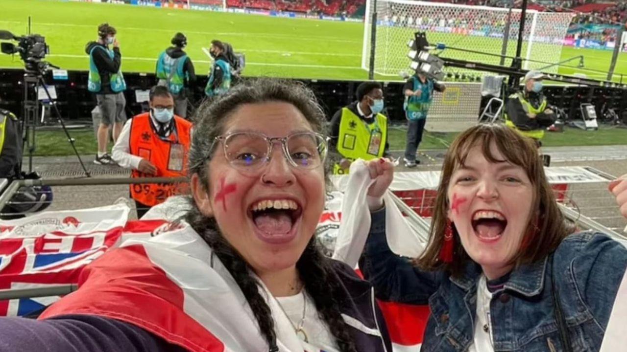 Engländerin verliert wegen Stadionbesuch beim EM-Halbfinale ihren Job - Bildquelle: Privat