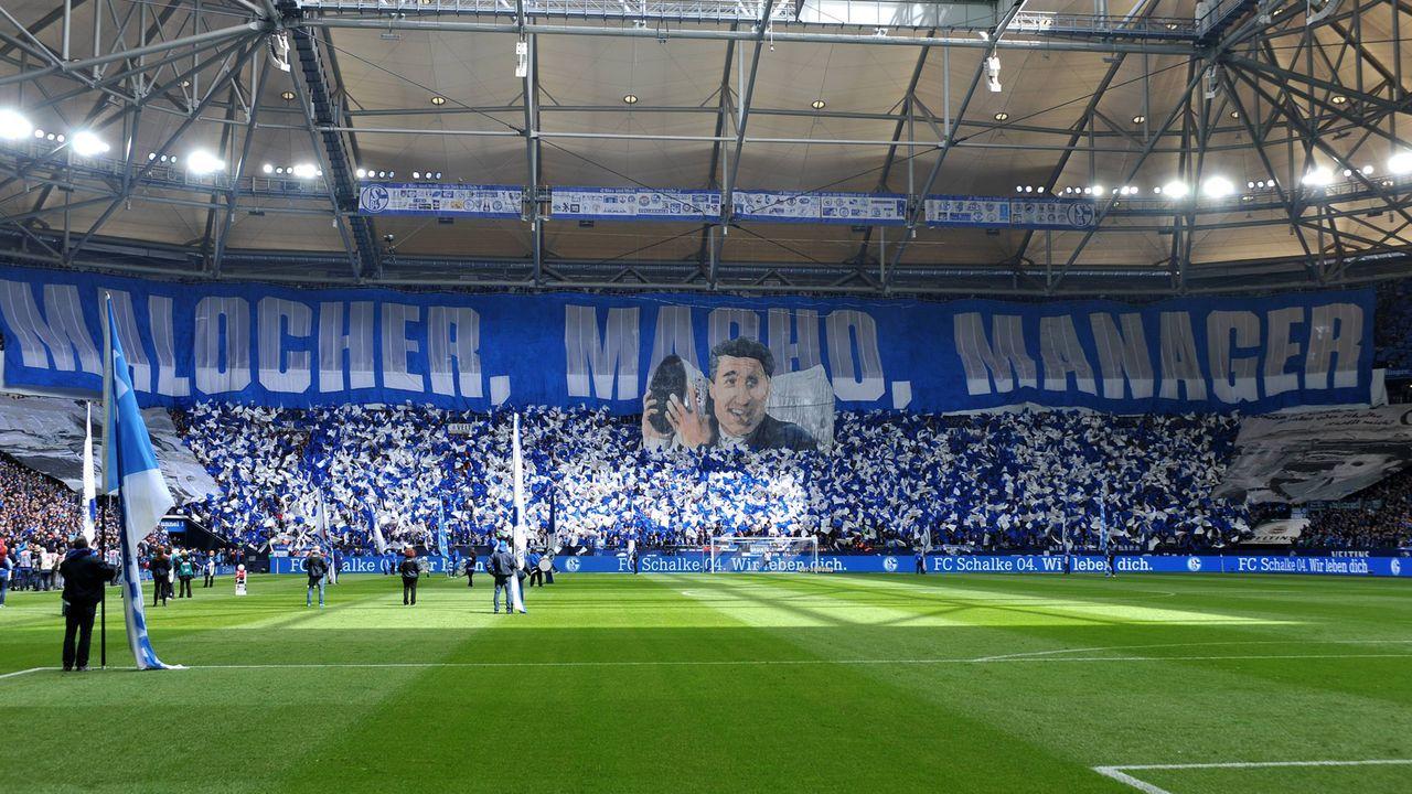 """""""Malocher, Macho, Manager"""" - Schalke-Fans feiern Ex-Manager Rudi Assauer - Bildquelle: imago images / DeFodi"""