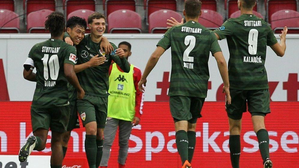 Stuttgart feiert Auswärtssieg in Mainz - Bildquelle: AFPSIDDANIEL ROLAND