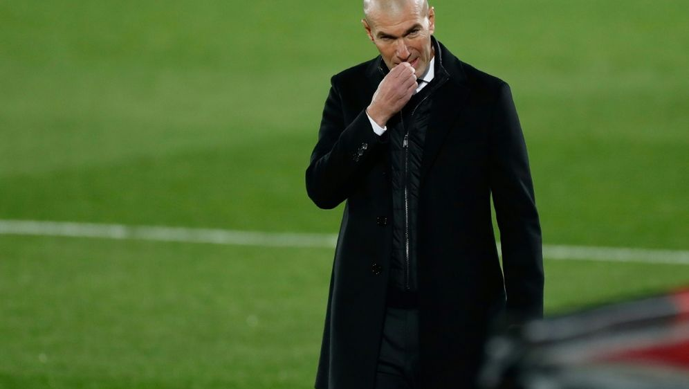 Zidane teilt Spielern Abschied mit - Bildquelle: FIROFIROSIDOscar Barroso