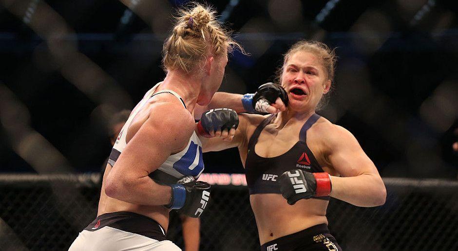 Rousey entzaubert - Bildquelle: Getty Images