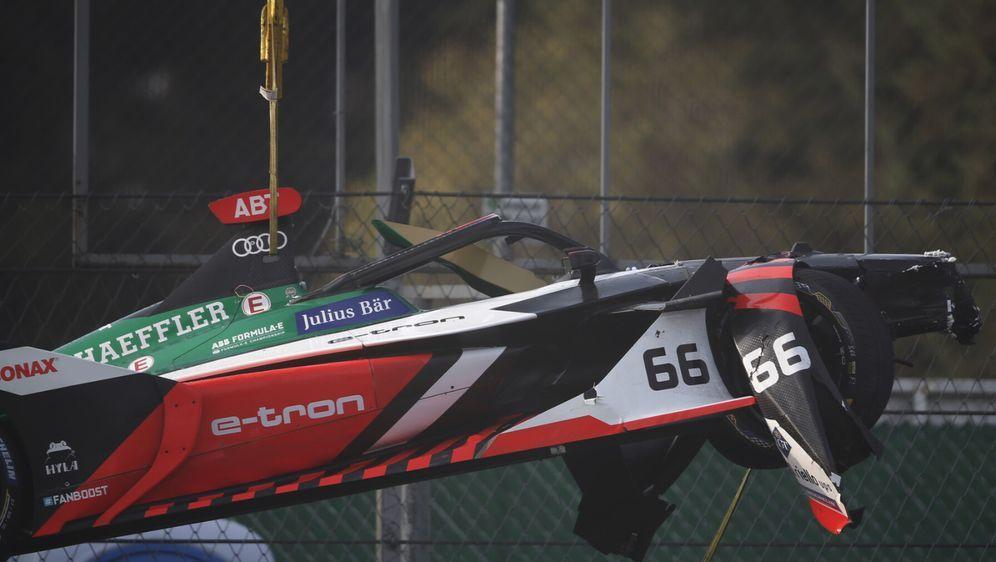 Auto von Daniel Abt nach Unfall im Formel-E-Traiing in Mexiko-Stadt - Bildquelle: Motorsport Images