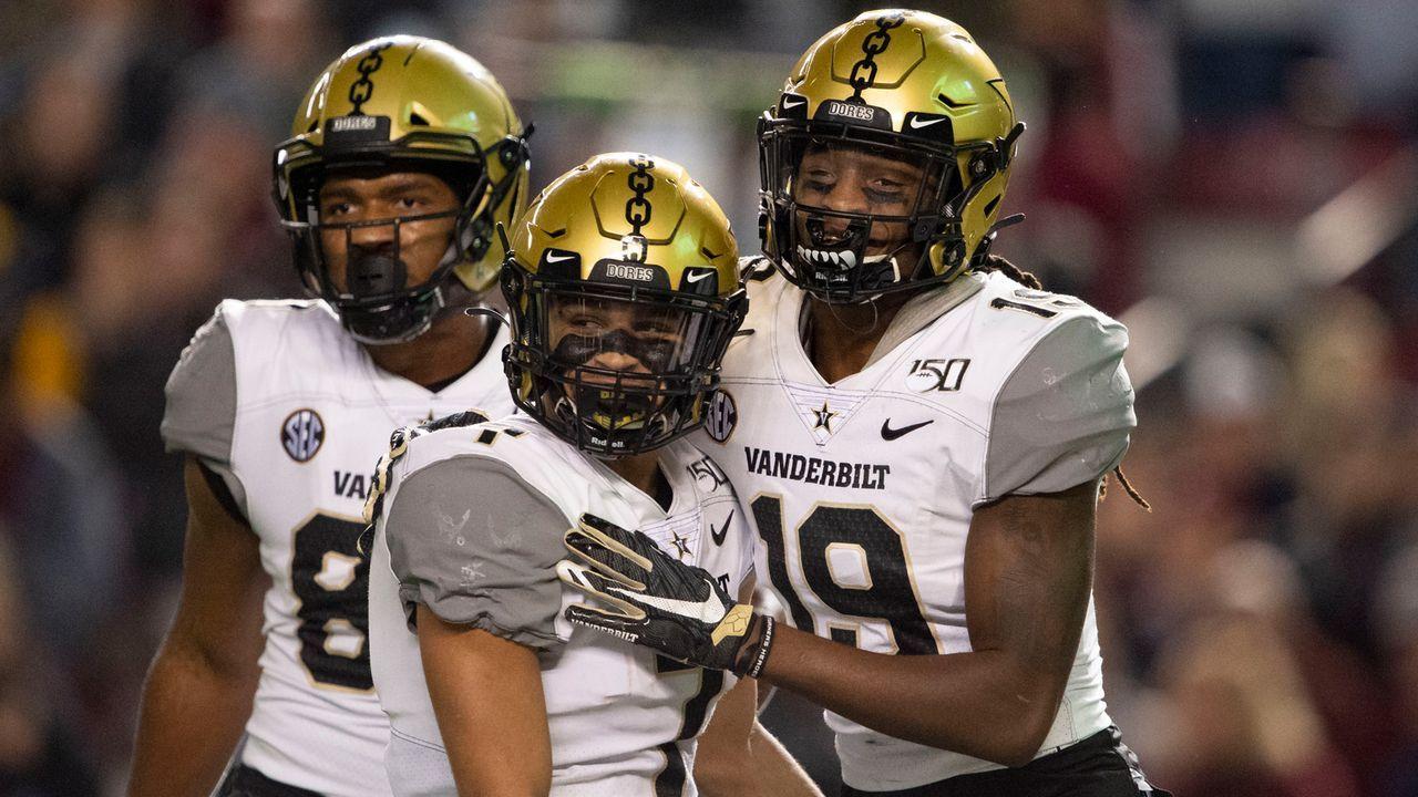 Vanderbilt mit Corona-Sorgen: Eine Fußball-Torhüterin könnte zur Kickerin werden - Bildquelle: 2019 Getty Images