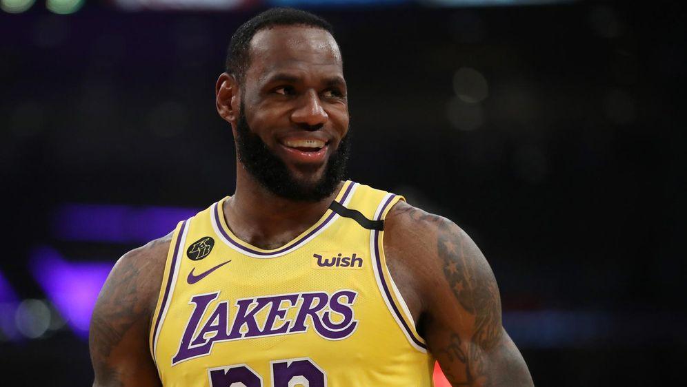 LeBron James im Trikot der Los Angeles Lakers - Bildquelle: getty