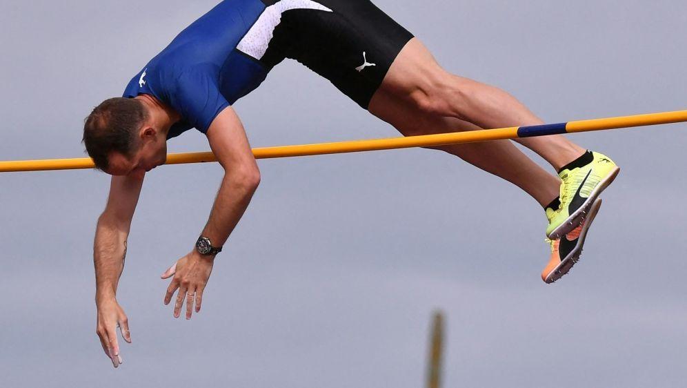 Renaud Lavillenie verletzt sich zwei Wochen vor Olympia - Bildquelle: AFPSIDPHILIPPE DESMAZES