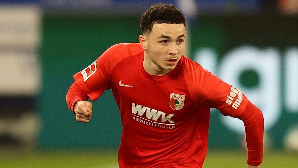 Vargas verlängert beim FC Augsburg bis 2025 - Bildquelle: FIROFIROSID